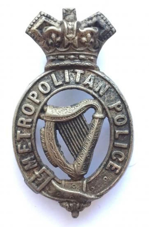 Dublin Metropolitan Police Victorian rare cap badge.