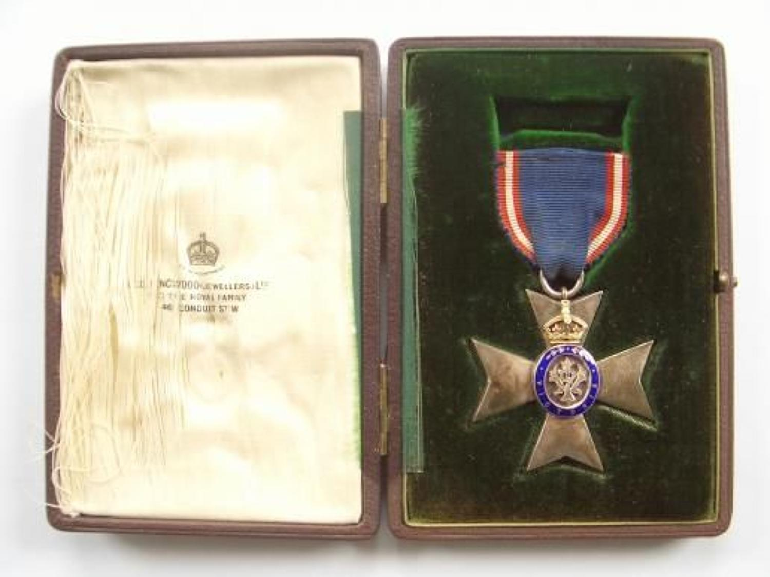 The Royal Victorian Order, M.V.O., Member's 5th Class breast badge